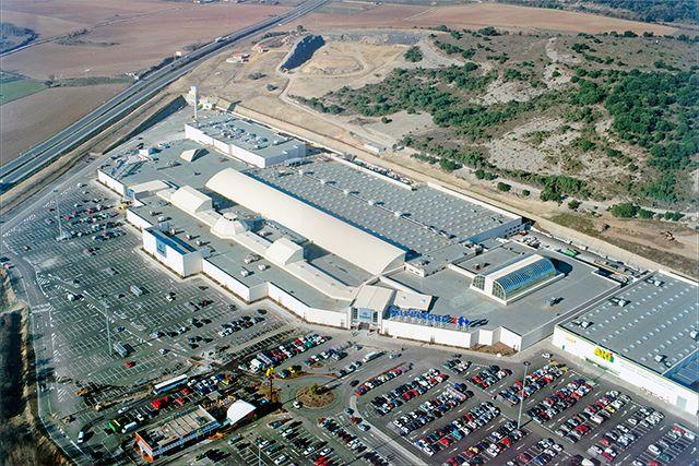 Centro Comercial en Etxabarri-Ibiña (�lava)