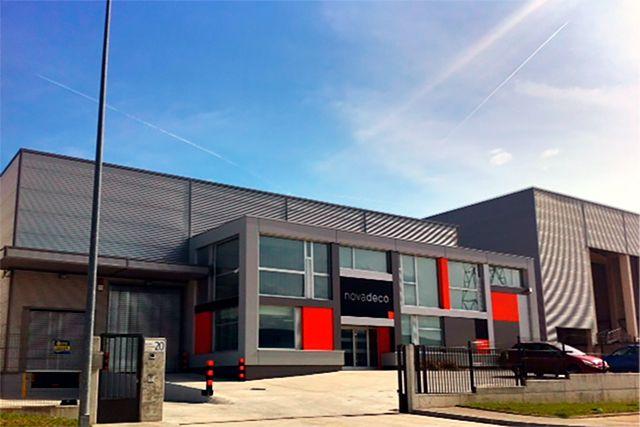 Novadeco. – Edificio de Oficinas P.I. Subillabide (�lava)
