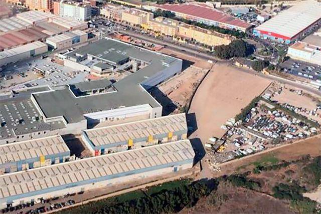 Urbanización Centro Comercial en Melilla